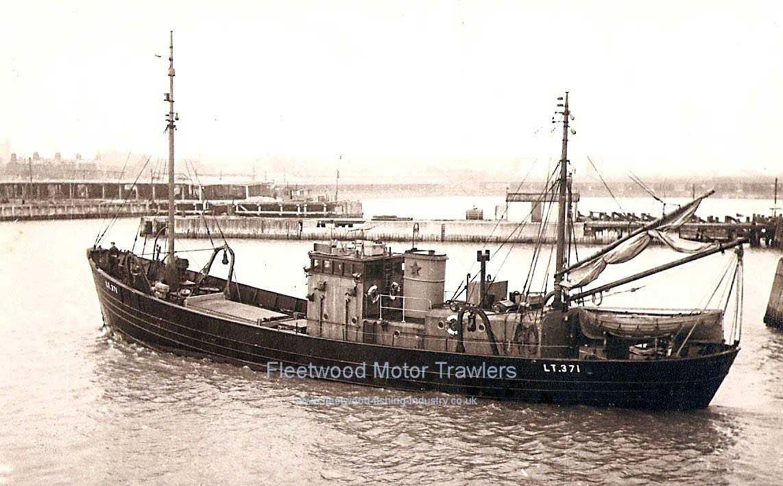 Boston deep sea fisheries fleetwood motor trawlers for Deep sea fishing boston